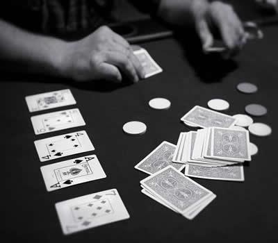 Reducir la ventaja de la casa en el Blackjack
